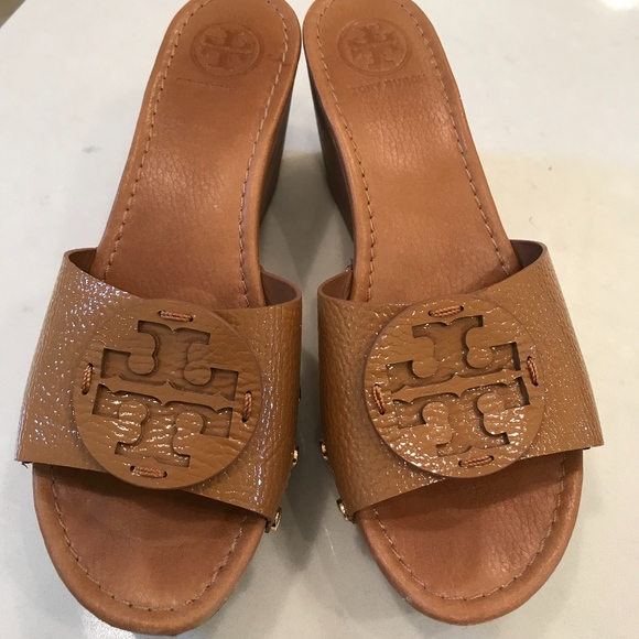 f8ba54f41db2 Tory Burch Shoes - Tory Burch Patti Wedge Size 9 Tan